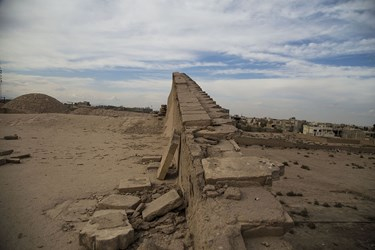 بقایای به جا مانده از حصار بیرونی عمارت نواب یزد