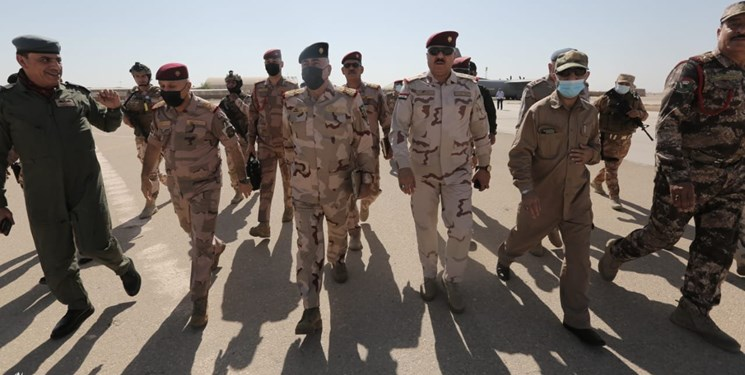 بازدید هیأت امنیتی عراق از پایگاه عین الأسد