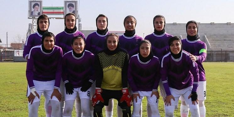 گلایههای عجیب دختران فوتبالیست در بوشهر/ گفتند فکر کنید برای خوشگذرانی دور هم بودیم!