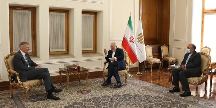 پایان ماموریت سفیر انگلیس در تهران/خداحافظی «مک ایر» از ظریف