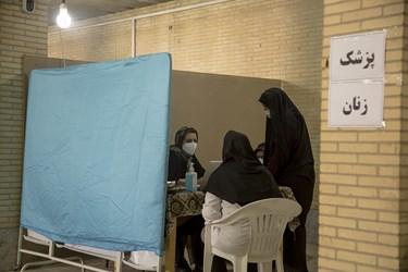 ویزیت رایگان بیماران با حضور پزشک متخصص زنان
