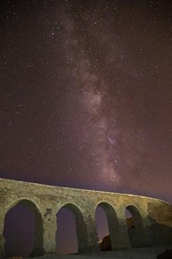 کهکشهان راه شیری  در روستای خرانق یزد و پل قدیمی این روستا