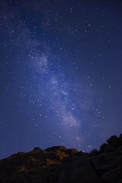 کهکشهان راه شیری و شفق  در کوه های روستای دره شیر یزد
