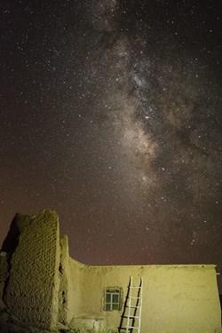 کهکشهان راه شیری در روستاهای اطراف بنادکوک یزد سحابی اسب تاریک در این عکس دیده میوشد
