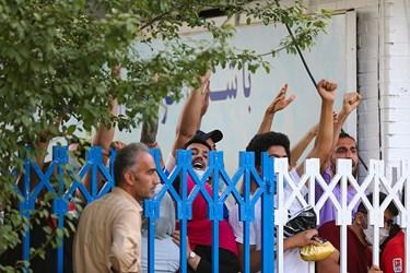 اعتراض هواداران تیم فوتبال استقلال