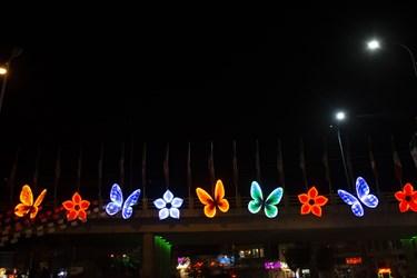 روشن ماندن چراغ های زیبا سازی شهر