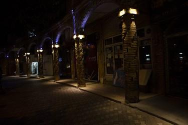 روشن ماندن چراغهای زیباسازی شهر و چراغهای تزینی