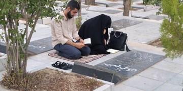 فیلم  عرفه شهدایی/ حال و هوای گلستان شهدا در عصر عرفه