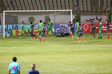 لحظه به ثمر رسیدن تک گل تیم سایپا توسط مجید علیاری در دقیقه 75