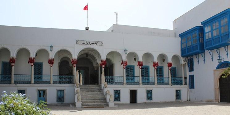 جلوگیری از  ورود رئیس  و نمایندگان پارلمان تونس به ساختمان مجلس