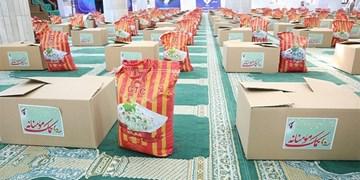 کمک مومنانه  توزیع ۲۴۰۰ بسته معیشتی به همت سپاه ناحیه ورامین