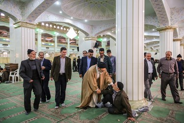 حضور در نماز جمعه تبریز
