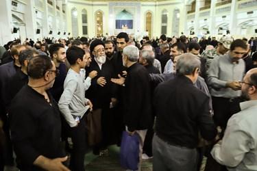 احوال پرسی امام جمعه تبریز با نمازگزاران