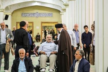 هم صحبتی با نماز گزاران در مصلای امام خمینی(ره) تبریز