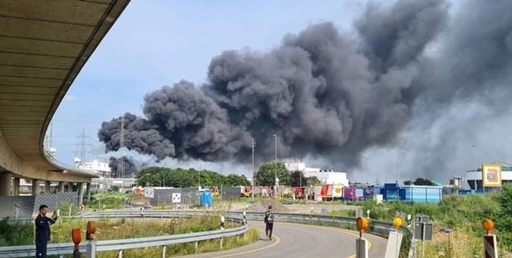 یک کشته و چهار مفقود در انفجار در شهرک صنعتی در آلمان+فیلم