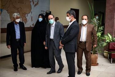 بازدید ابراهیم خدایی رئیس سازمان سنجش از برگزاری کنکور کارشناسی ارشد 1400  در دانشکده زبانها و ادبیات خارجی دانشگاه تهران