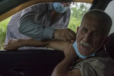 عکس| واکسیناسیون خودرویی در دانشگاه گیلان