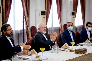محمد جواد ظریف وزیر امور خارجه ایران در دیدار با  وزیر امور خارجه  کویت