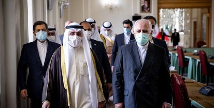 دیدار وزیر خارجه کویت با ظریف/ عزم کویت برای گسترش همه جانبه روابط با ایران