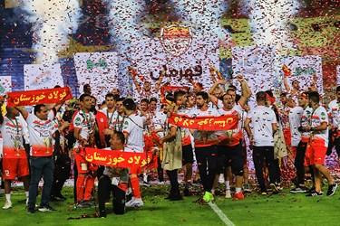 جشن قهرمانی تیم فولاد خوزستان در فینال جام حذفی فوتبال ایران در ورزشگاه نقش جهان اصفهان