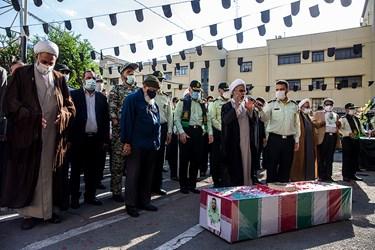 اقامه نماز میت بر پیکر شهید ستوان سوم « یاسر طاهری»