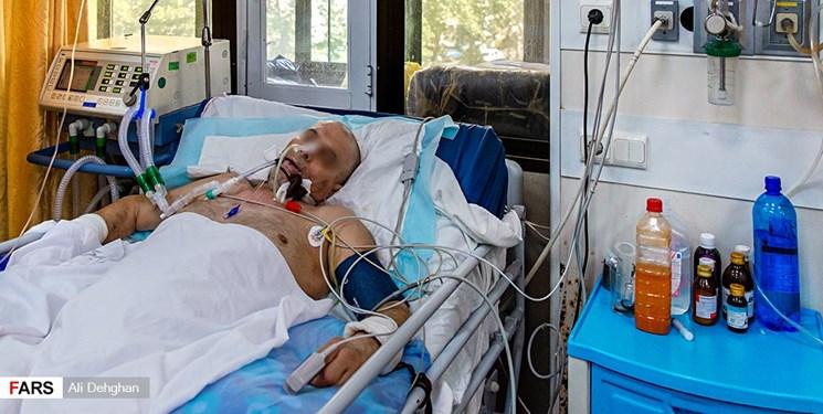 چگونه در یک چشم برهم زدن ۴۰ دستگاه تنفس مصنوعی جور شد؟/ خاطره پزشک بخش کروناییها از زندگی و عشق