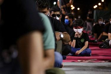 حضور مردم با رعایت دستورالعمل های بهداشتی در مراسم شب سوم محرم - هیئت لواءحیدرکرار (دانشگاه آزاد کرج)
