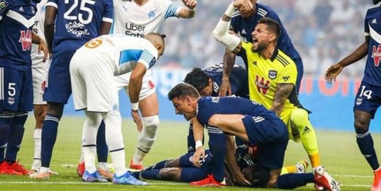 حادثه اریکسن تکرار شد /بیهوشی بازیکن فوتبال در لیگ فرانسه +تصاویر و فیلم