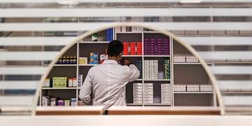 تاکید وزیر بهداشت بر اجرای آییننامه جدید تأسیس داروخانهها/ تعداد داروخانههای کشور افزایش یابد
