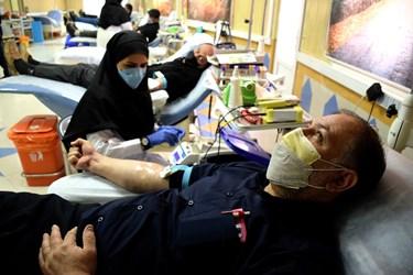 اهدای خون عزاداران حسینی در روز تاسوعا