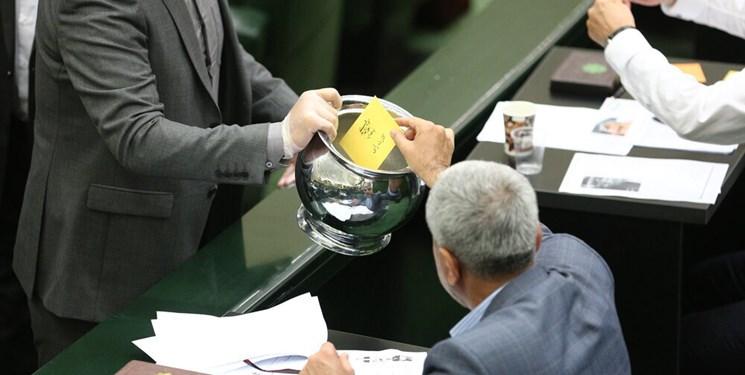 سلیمی: رأیگیری درباره وزرای کابینه با ورقه انجام میشود