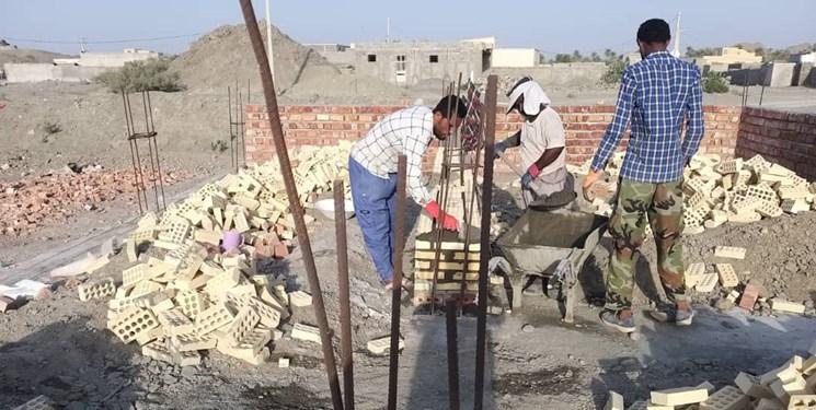 اربعینیها برای دانشآموزان سیستان و بلوچستان مدرسه میسازند+عکس