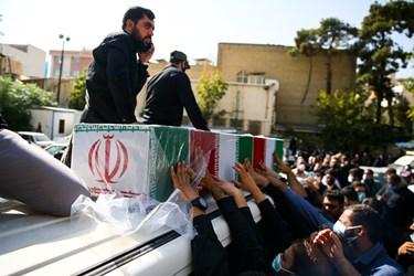وداع با پیکر شهید مدافع حرم مرتضی کریمی در معراج شهدا تهران