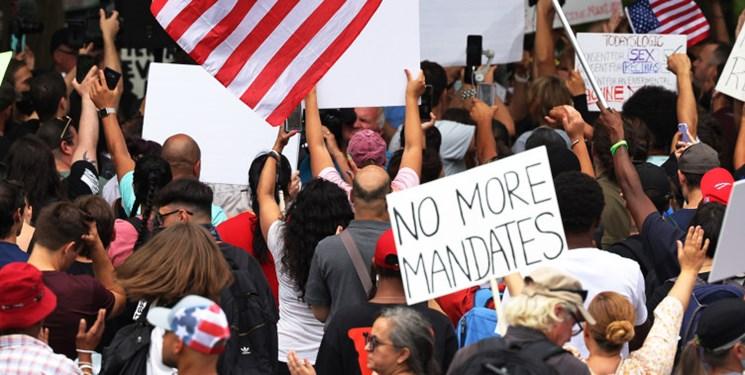 جنجال در آمریکا در پی دستور بایدن مبنی بر اجبار واکسن کرونا