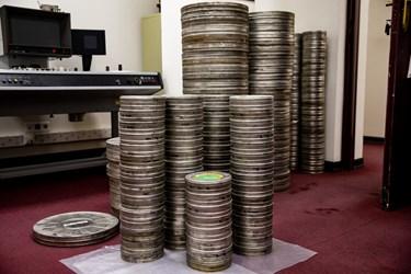 قوطیهای فیلمهای نگاتیو در فیلمخانه ملی ایران