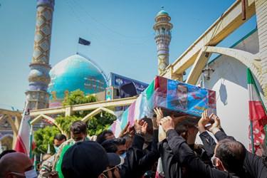 بدرقه شهید مدافع حرم محمد اینانلو به سمت آرامگاه ابدی در امامزاده طاهر(ع) مهرشهر