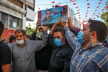 وداع خانواده ، دوستان و همسایگان با پیکر شهید مدافع حرم محمد اینانلو