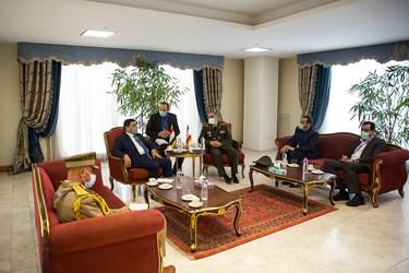 دیدار امیر آشتیانی وزیر دفاع با هیئت دیپلمات عراقی در حاشیه دیدار  رئیس جمهور با نخست وزیر عراق