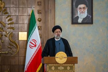 آیت الله سید ابراهیم رئیسی رئیس جمهور در نشست خبری مشترک پس از دیدار با نخست وزیر عراق