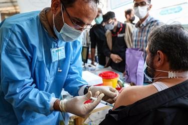 تزریق واکسن کرونا در رزمایش بزرگ طرح شهید حاج قاسم سلیمانی