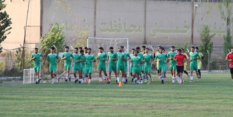 خطر در کمین از دست رفتن میزبانی فجر در شیراز / وزیر ورزش و جوانان  ورود کند