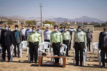 این برنامه با حضور مسؤولان امنیتی و اجتماعی استان سمنان در پارک کوهستان برگزار شد
