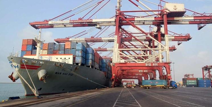 پهلوگیری ۵ فروند کشتی حامل کالاهای اساسی در بندر شهید رجایی
