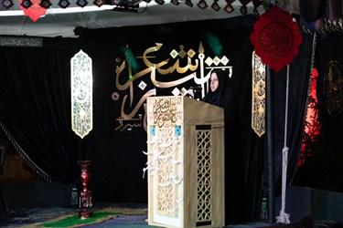 شعر خوانی عذرا نصیری از داراب در سی و ششمین شب شعر عاشورایی / آستان مقدس حضرت علی ابن حمزه (ع) شیراز