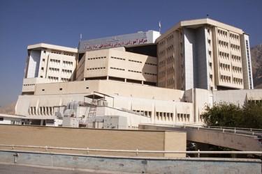 بیمارستان امام رضا (ع) کرمانشاه یکی از مراکز بستری بیماران کرونایی است.