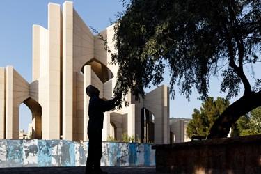 نمایی از محوطه مقبرةالشعرا در شهر تبریز.