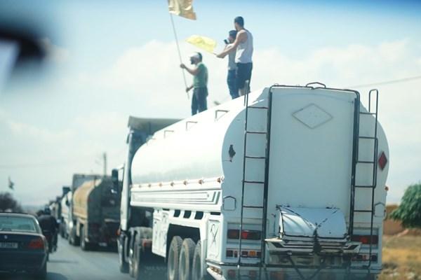 انتشار تصاویر جدید از ورود تانکرهای حامل سوخت ایران به لبنان