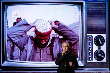 اجرای قطعات حماسی و مذهبی توسط غلام کویتی پور در سومین همایش «یادها و نامها»