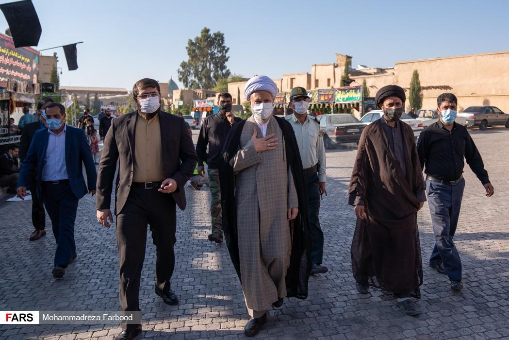 اهتزاز پرچم متبرک به نام امام حسین (ع) در بین الحرمین شیراز