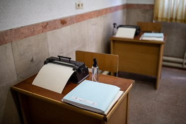 نیمکت درس نابینایان در مدرسه شهید محبی تهران